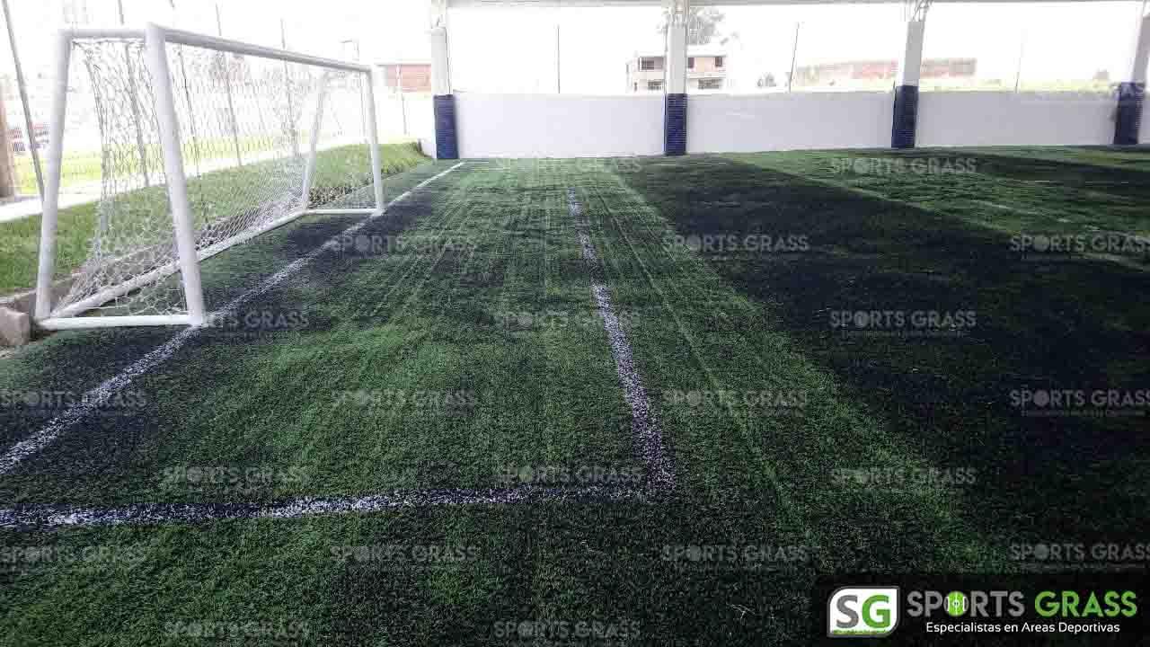 Mantenimiento en ejecución cancha de fútbol 7 Juan Carlos Cacho ex jugador profesional 05