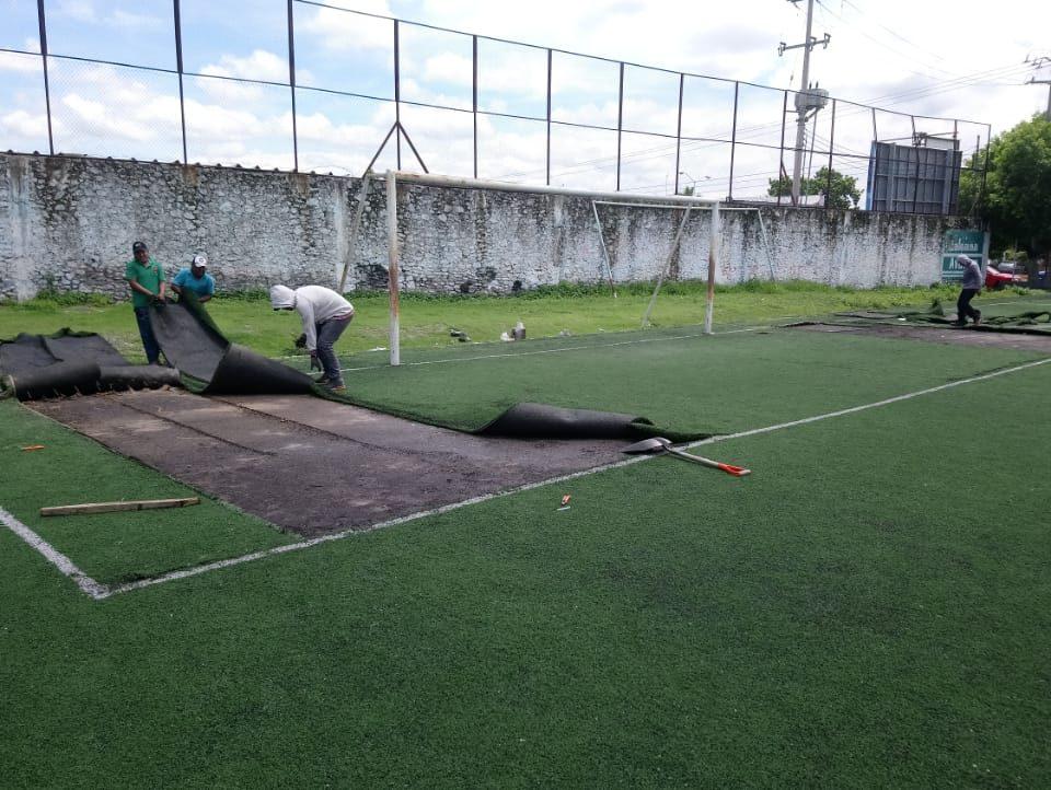 Cancha de fútbol soccer, reparación del círculo central de la cancha y áreas chicas Sports Grass 09